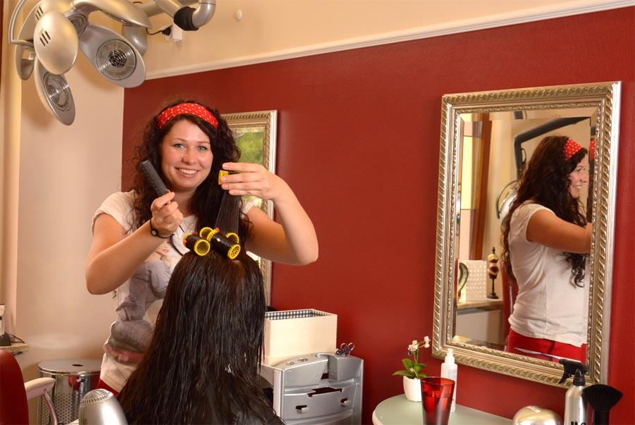 Haare Schneiden Färben Stylen In Der Stargarder Str 10 Friseur